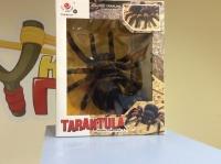 Радиоуправляемый паук Тарантул 781 на пульте управления
