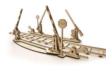 3D-пазл механический UGears Переезд с рельсами